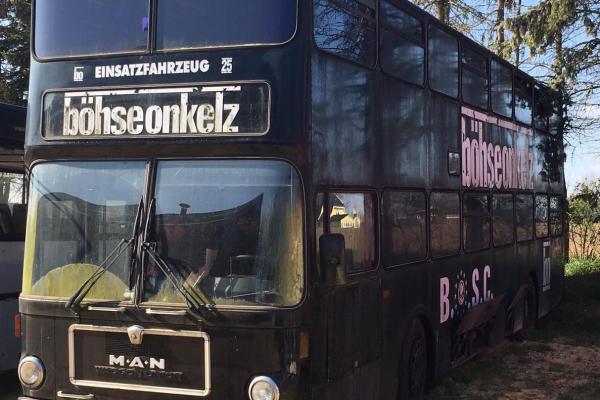 Seit Anfang Mai 2019 wird der alte B.O.S.C. Bus restauriert. Die Bilder sollen euch einen kleinen Einblick in die bisherigen Arbeiten gewähren.