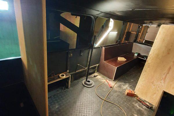 Im Oberdeck entsteht die neue Sitzecke.